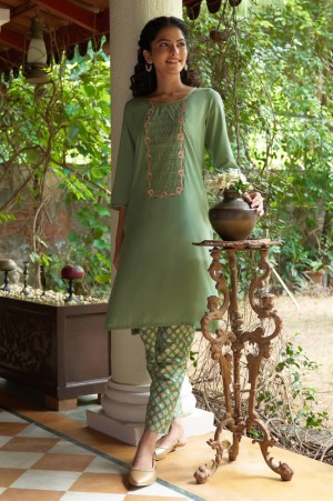 Green Embroidered Solid Straight Kurta Trousers Set
